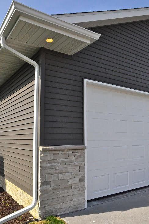 Home Exterior/Entrance: Sterling, LEDGESTONE - Versetta Stone ...