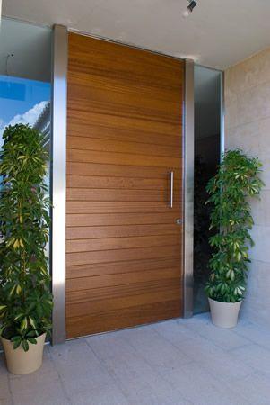 Puertas madera exterior buscar con google puertas for Puertas minimalistas exterior