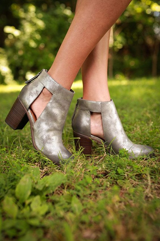 Combust Bootie in Pewter