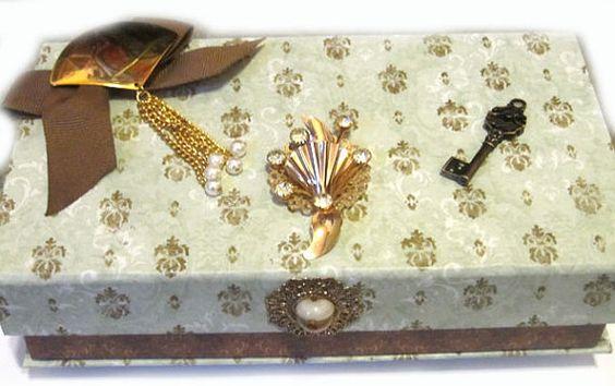 JEWELRY KEEPSAKE WEDDING trinket box with Vintage brooches Soo pretty!