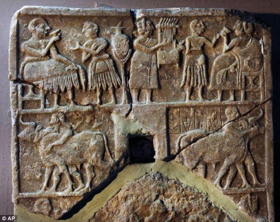 LYRE  Sumerian stela National Museum of Iraq