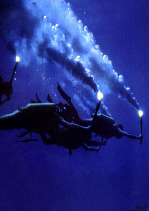 """Jacques Cousteau & his team descend into """"the world of rapture"""" in 'The Silent World' / 'Le Monde du Silence' by  Louis Malle - 1956"""