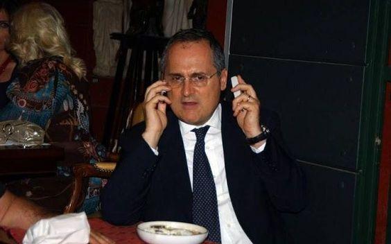 'Lazio Style Channel' pronta per sbarcare su 'Mediaset'. Sono in corso sondaggi di Lotito con la famiglia Berlusconi. Probabile l'approdo a breve di 'Lazio Style Channel' sulla piattaforma 'Mediaset Premium'. I rapporti con Sky però al momento non sono pro