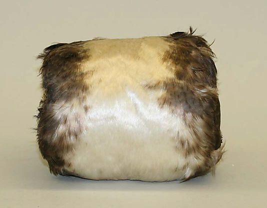 Muff, feathers and silk, c. 1900, American.:
