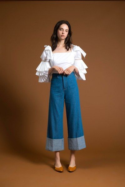 See the complete Sea Resort 2018 collection.