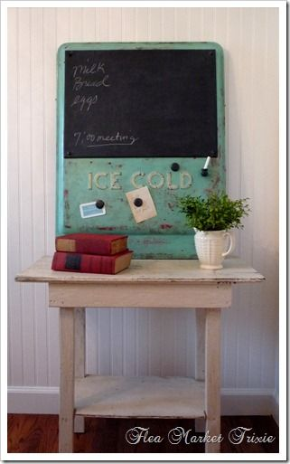 Flea Market Trixie wins the prize for the best chalkboard made out of junk I've seen yet!  Don't you love this??