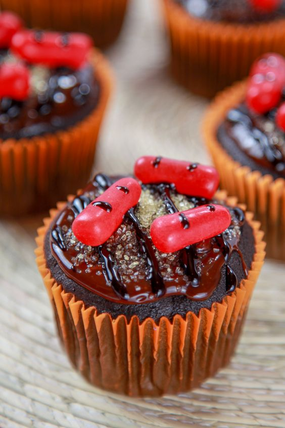 Moist chocolate cupcakes, Chocolate cupcakes and Chocolate frosting on ...