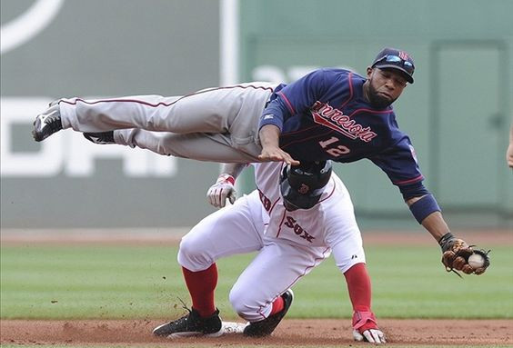 This was the last time #Twins 2B Alexei Casilla mistook a player for the ground.
