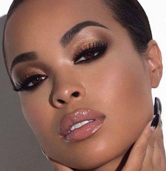 Si tienes la piel morena, ¡apunta estos consejos de maquillaje para verte más favorecida!