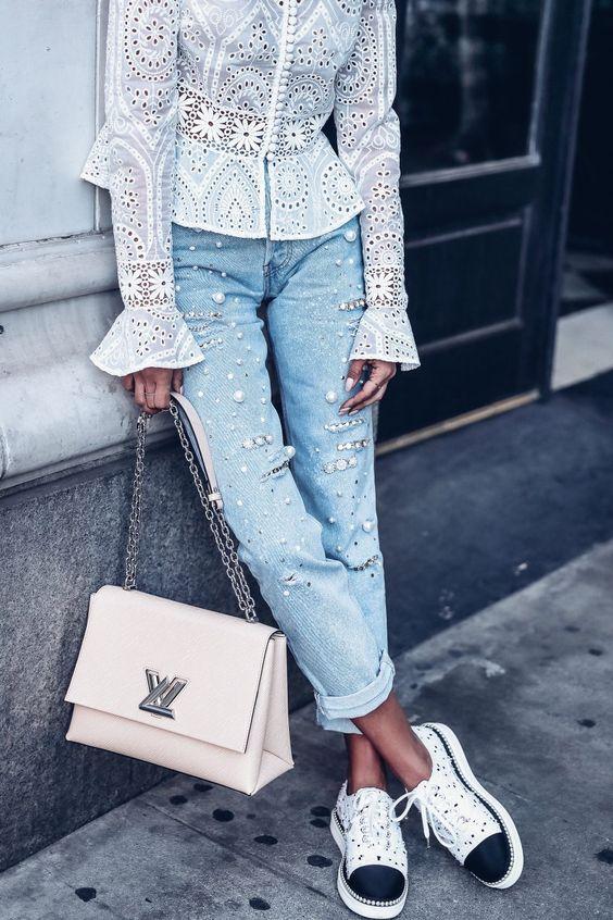 Pearl jeans + sneakers.