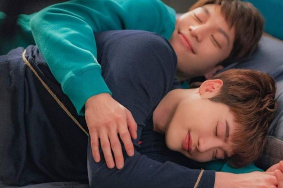 "Wi Ha Joon Talks About His Bromance With Lee Jong Suk In Real Life And In ""Romance Is A Bonus Book"""