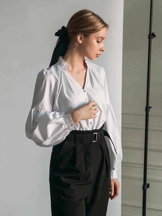 Lichi :: Блузка с объемными рукавами и V-образным вырезом