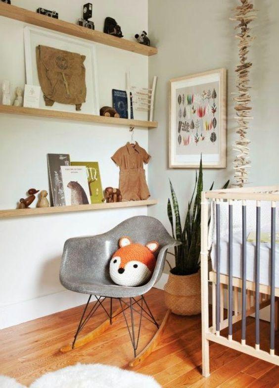 grauer stuhl - schönes babyzimmer design
