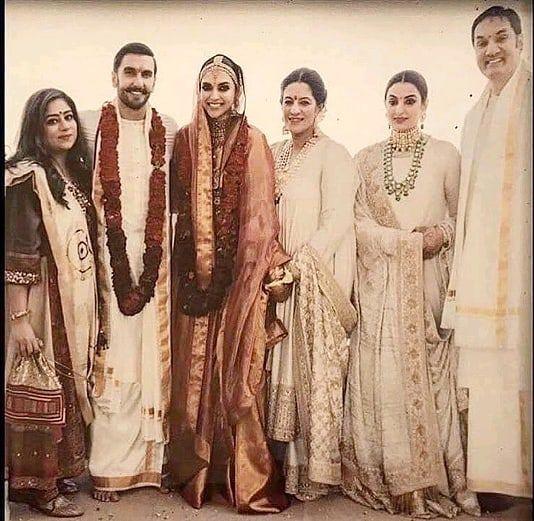 The Bride Deepikapadukone With Bhavnani Family Love Care Support Deepveerkishaadi Deepveer D Indian Bridal Fashion Deepika Padukone Pakistani Fashion