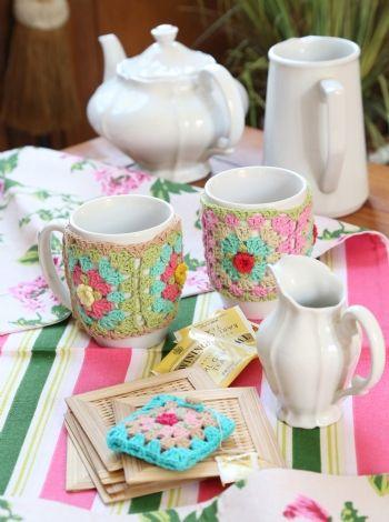 Tazas decoradas - Crochet Busca el patron con las instrucciones en www.eviadigital.com y a tejer!!