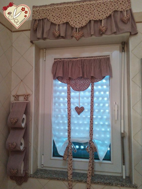 Le creazioni di antonella: tende per bagno con dietro vetro ...