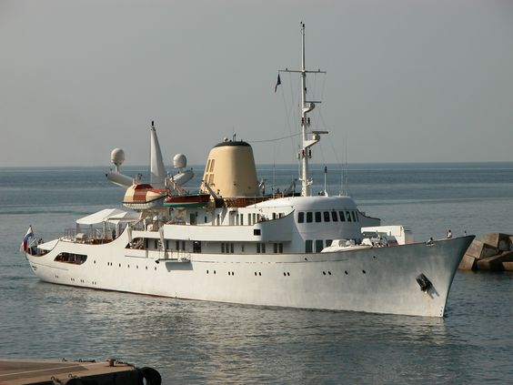 """... a beauty from 1943, M/Y """"Christina O"""""""