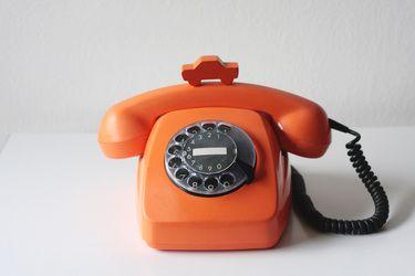 Vintage Telefon Orange von eva-jumble / Vintage Telephone Orange by eva-jumble