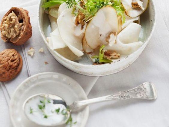 Waldorfsalat ist ein Rezept mit frischen Zutaten aus der Kategorie Obstsalat. Probieren Sie dieses und weitere Rezepte von EAT SMARTER!