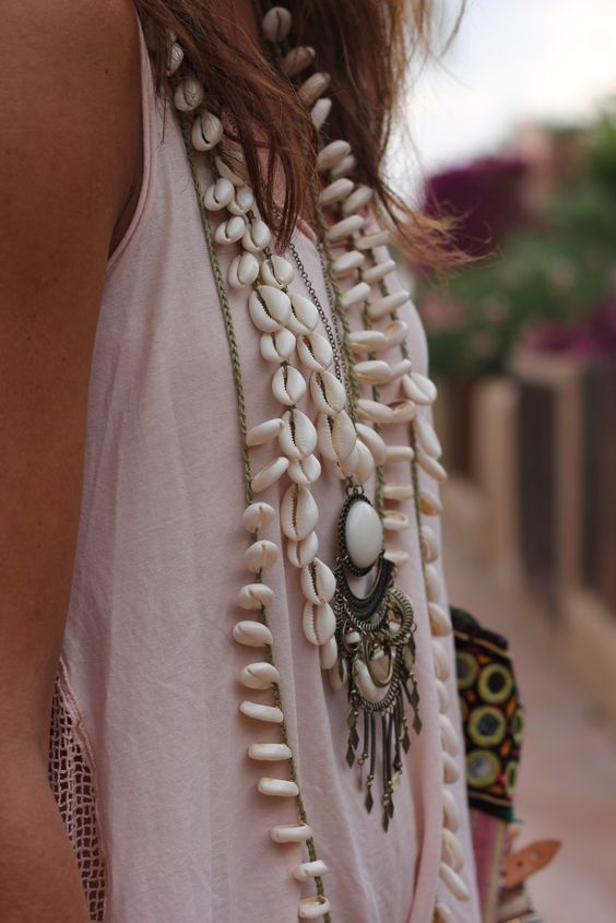 ☆ Cowrie She'll Necklace: