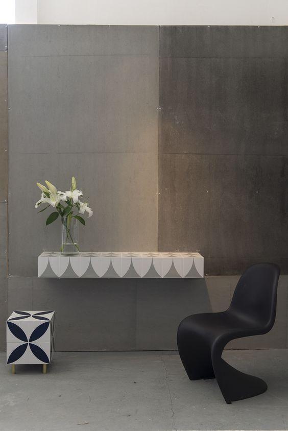 Coleção Azulejaria, parceria entre a Lurca Azulejos e o escritório Mauricio Arruda Design | Design Weekend SP | Site Casa dos Outros | Foto: Manu Oristanio