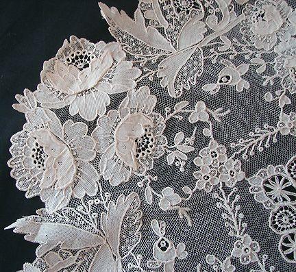 Maria Niforos - Fine Antique Lace, Linens & Textiles : Antique Lace # LA-219 Exquisite Brussels Point De Gaze Lace w/ Cherubs