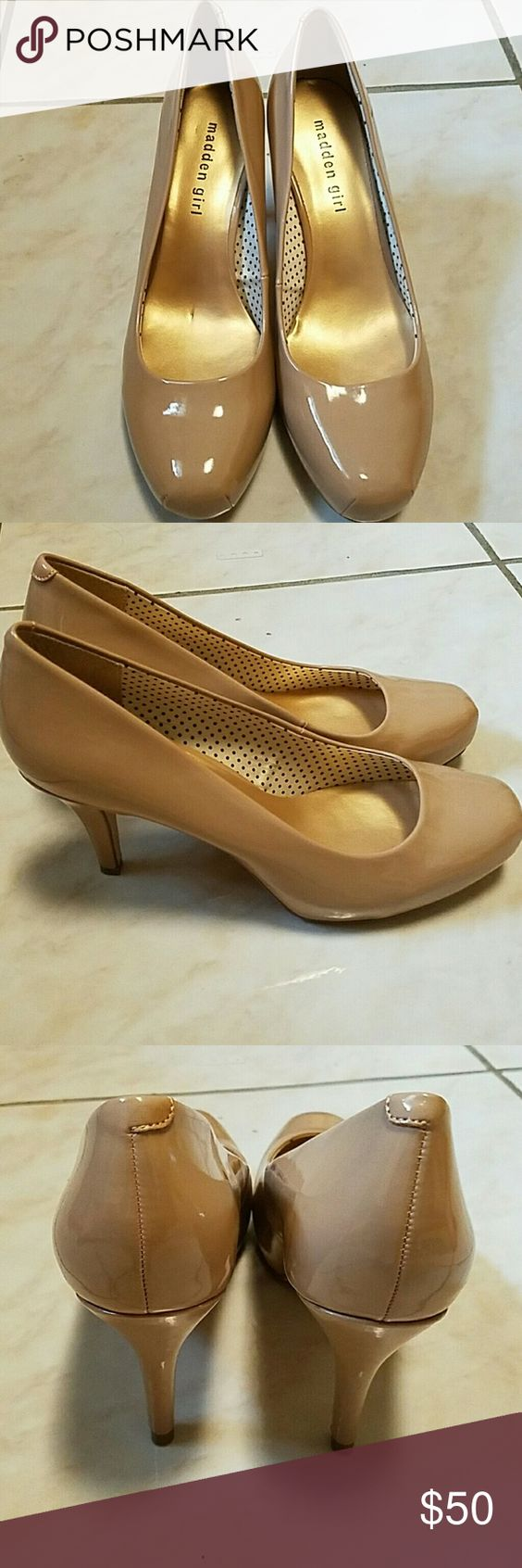 Steve Madden heels Brand new, never worn beige heels. Size 8 1/2. Steve Madden Shoes Heels