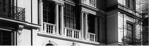 Pianistenclub: Musikalische Verwandlungen   Transkriptionen sind eine beliebte Kompositionsform, in der Werke berühmter Komponisten in eine neue musikalische Form gebracht werden. An diesem Abend kann man erleben, was Liszt und Busoni aus den Werken von Bach und Schubert neues erschaffen haben.  Freitag, 03.07.15, 19.30 Uhr, Kaulbach-Villa