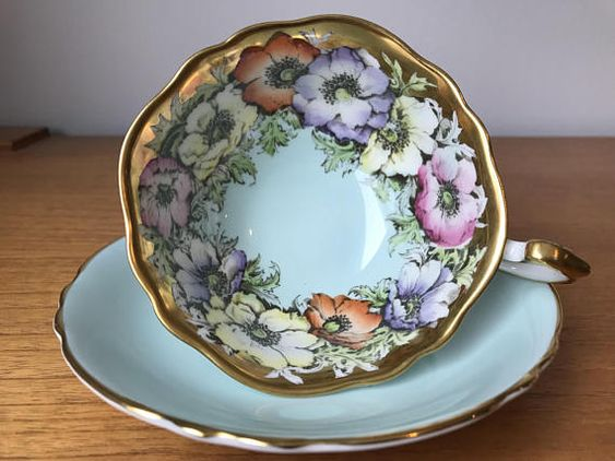 Paragon Poppy Teacup and Saucer Heavy Gold Border Anemones
