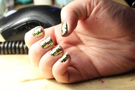 Tutorial: Glitter Mosaic Nails Complete with Video