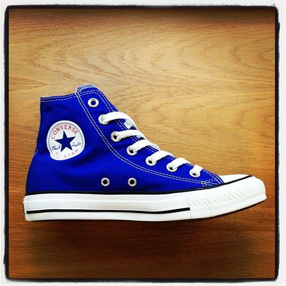 Oh 'Hi Dazzling Blue'  Converse is one of the most popular brand of sneakers. Among a lot of colors, I like a blue one. It has a color of trend and it is the easist way to have trend item, which is not only cheap but cute! Everybody likes it.