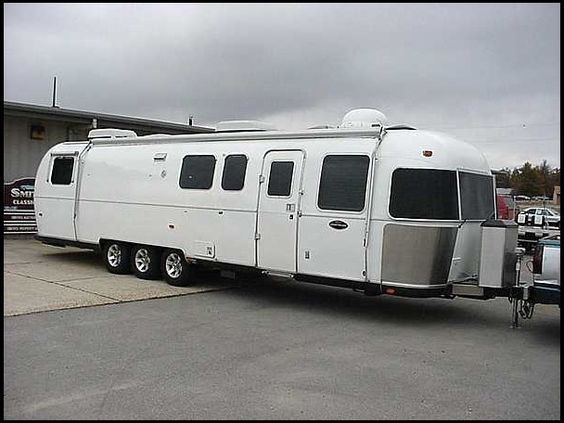 Celebrity Motor Homes (Will Smith 2 Story Trailer) - YouTube