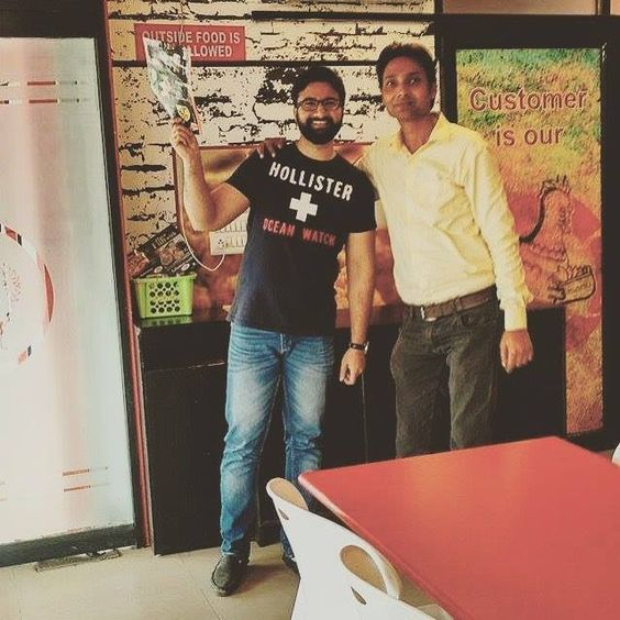 #igeroftheday #photoshoot #picoftheday #photooftheday #phonephotography #party #friends #friendship #celebration #ig_worldclub #chicken #chickzone #friedchicken #food #foodies #foodgasm #foodpics #foodporn #instafood #instalike #instabeard #ig_captures #igdaily #ig_today #ignation #fun #funtimes #funday #instafun by bashjay #Aligarh #India