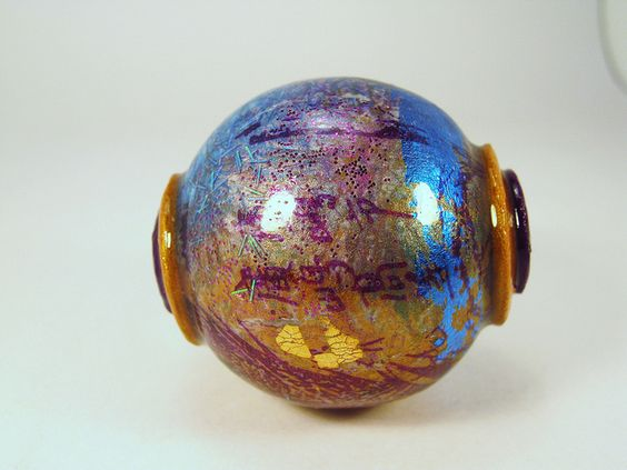 What a fabulous bead! So amazing it's poly!