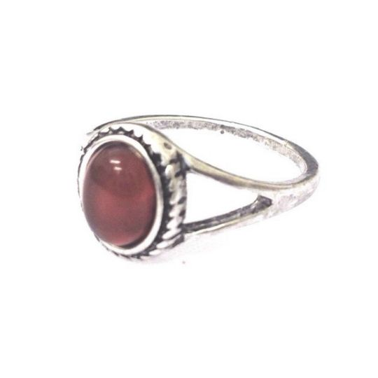 Small Red Stone Ring-£4 #prettytwisted #ring #jewellery http://prettytwistedonline.co.uk/product/small-red-round-stone-ring-size-small/