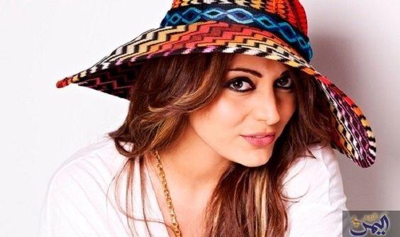 مايا نصري تبدي سعادتها بالمشاركة في Floppy Hat Festival Captain Hat Fashion