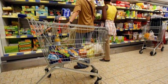 L'Insee note un rebond des prix alimentaires de 0,5% (après -0,1% en août) qui s'explique par la hausse des produits frais.