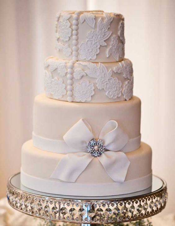 old hollywood cakes vintage glamour wedding cake. Black Bedroom Furniture Sets. Home Design Ideas