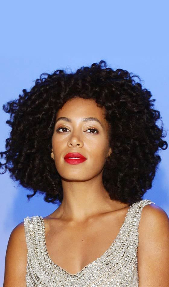 28 Coiffures De Mariage Noir Pour L Apparence Elegante Style De Coiffure Looks Elegantes Hair Hair Cabelo Cacheado
