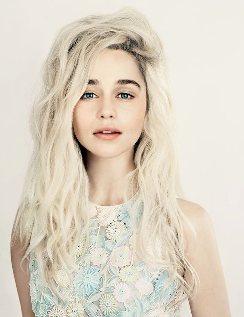 heartoutofhand:  I think that's the beauty of Game of Thrones: as women, we accept our femininity and take strength from it, as opposed to trying to hide it and behave in a masculine way. – Emilia Clarke (x)  She looks so much better blonde!!!!