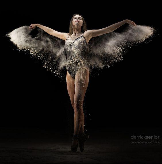 Танец девушки в костюме ангела видео смотреть онлайн фотоография