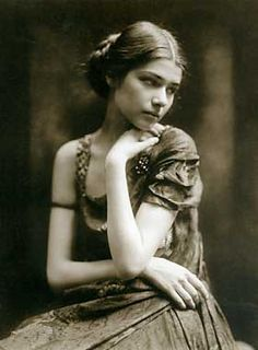 Clotilde Sacharoff (1892 - 1974) geb. Clotilde Edle von der Planitz Künstlername 1910