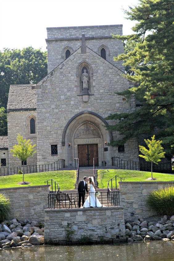 St hugo of the hills bloomfield hills a beautiful wedding st hugo of the hills bloomfield hills a beautiful wedding venue michigan wedding venues pinterest beautiful wedding venues wedding venues and junglespirit Images