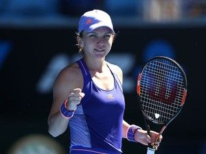 Result: Simona Halep eases through in Rome