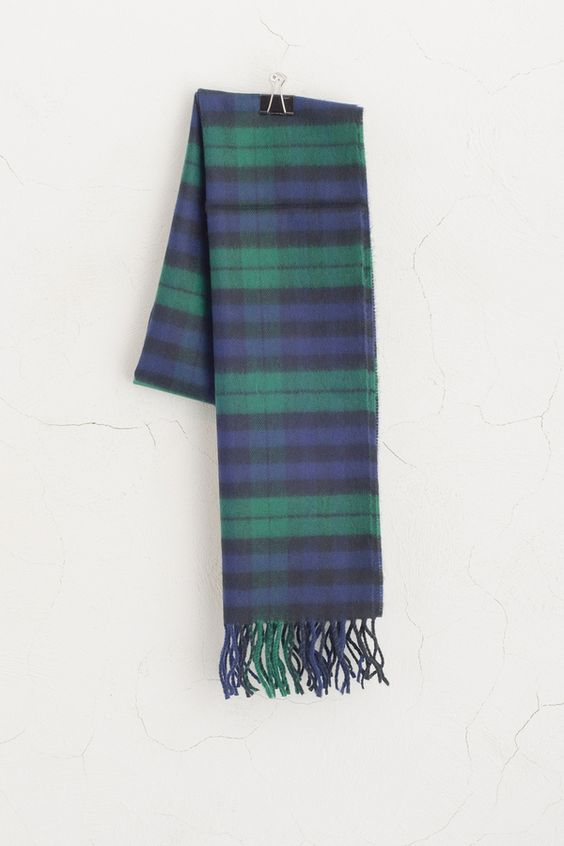 (http://www.oliveclothing.com/oliveunique-p-20141021-092-green-check-pattern-muffler-green)