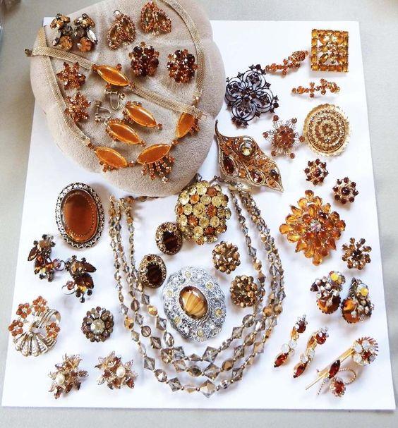 Vintage Rhinestone Jewelry Estate LOT K227 Amber Color Topaz Pins Earrings