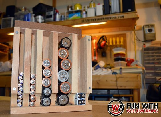 Battery holder/dispenser I made from free plans on the Wood Magazine ...