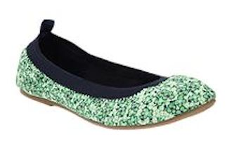 love these contrast ballet flats http://rstyle.me/~1Q2LF