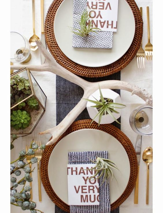 Modern Thanksgiving Tablescapes — modern organic Thanksgiving table