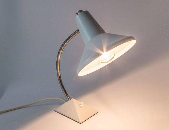 Dein Marktplatz Um Handgemachtes Zu Kaufen Und Verkaufen In 2020 Lamp Desk Lamp Vintage Mid Century Desk